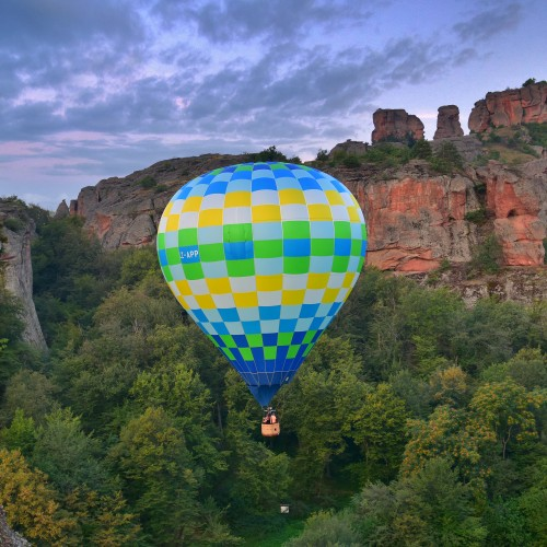 Panoramic balloon lift over the Belogradchik rocks from Supergift.bg!
