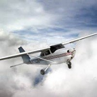 Flight with four-seat airplane for up to three - an experienced lesson in a destination of choice