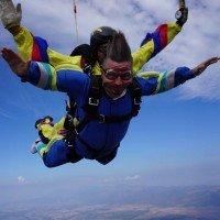 Тандемен парашутен скок в Кондофрей + пилотски бонус