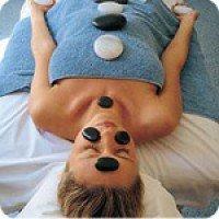 Геотермална терапия със затоплени пиренейски камъни