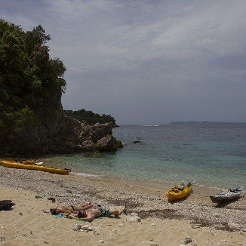 С каяк около островите на Сивота